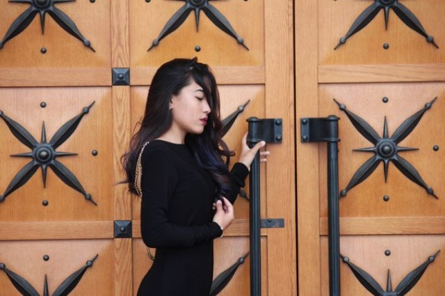 Эвика образ №3 (девушка в черном, 4 фото)